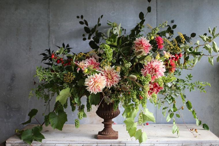 Floret urn