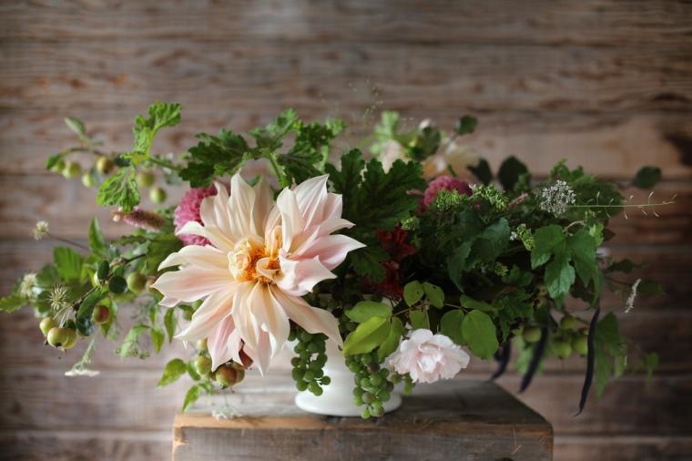 Floret Cafe au Lait Dahlia bouquet
